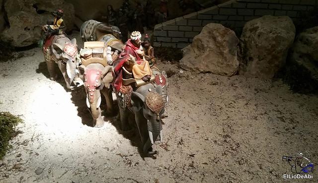 El Regimiento de Transmisiones nº 22 de Burgos monta el Belén 6