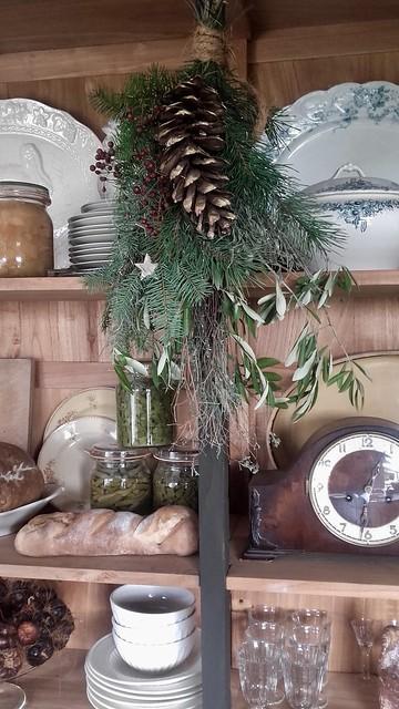 Keuken kast kerstgroen serviesgoed