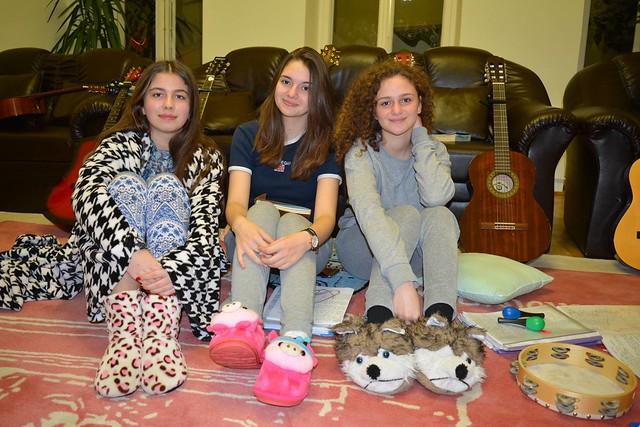 25701598828 1f86931b16 z Noaptea Cercului de folk ... în pijamale