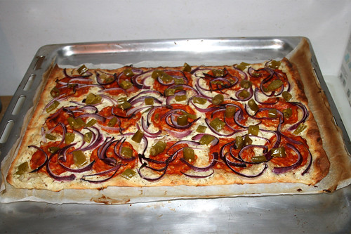 20 - Tarte  flambeé hot pepper chorizo - Finished baking / Pikanter Peperoni-Chorizo Flammkuchen - Fertig gebacken
