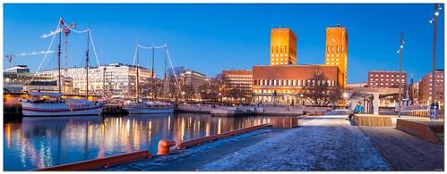 Rådhusbrygga 2, Oslo City Hall 135 x 52