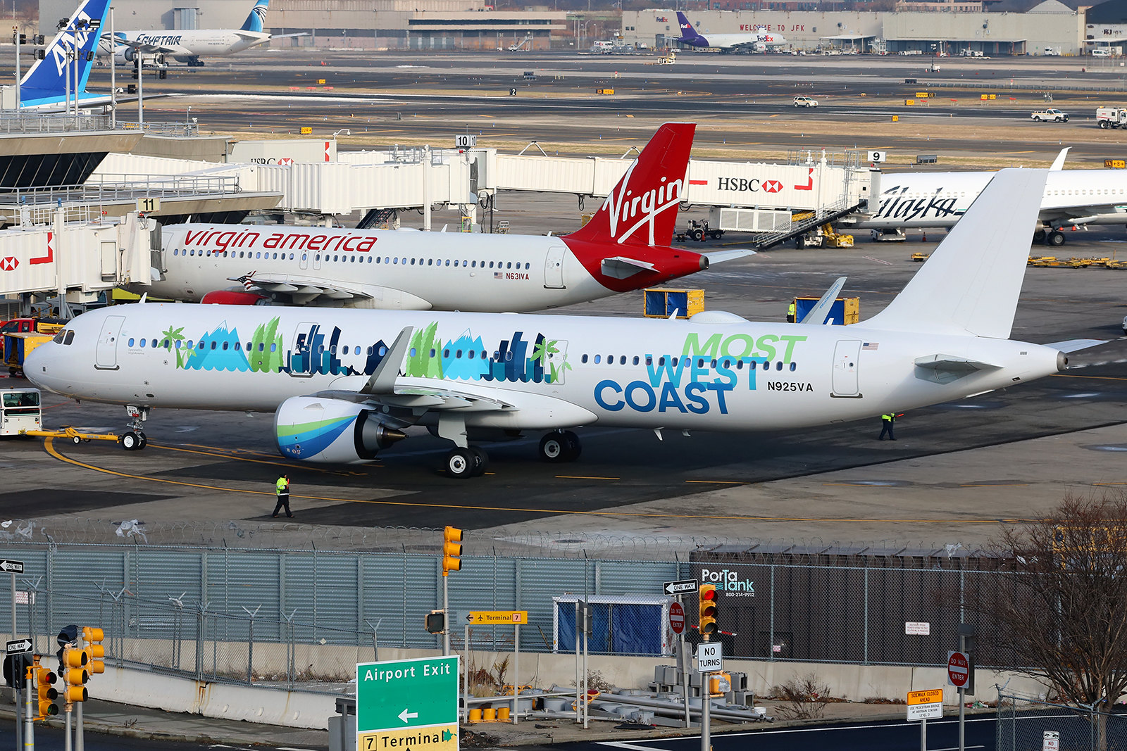 "N925VA | Airbus A321-253N | Virgin America (special ""Most West Coast"" livery)"