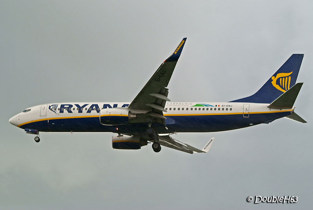 EI-ENJ B738 RYR CFE 2013