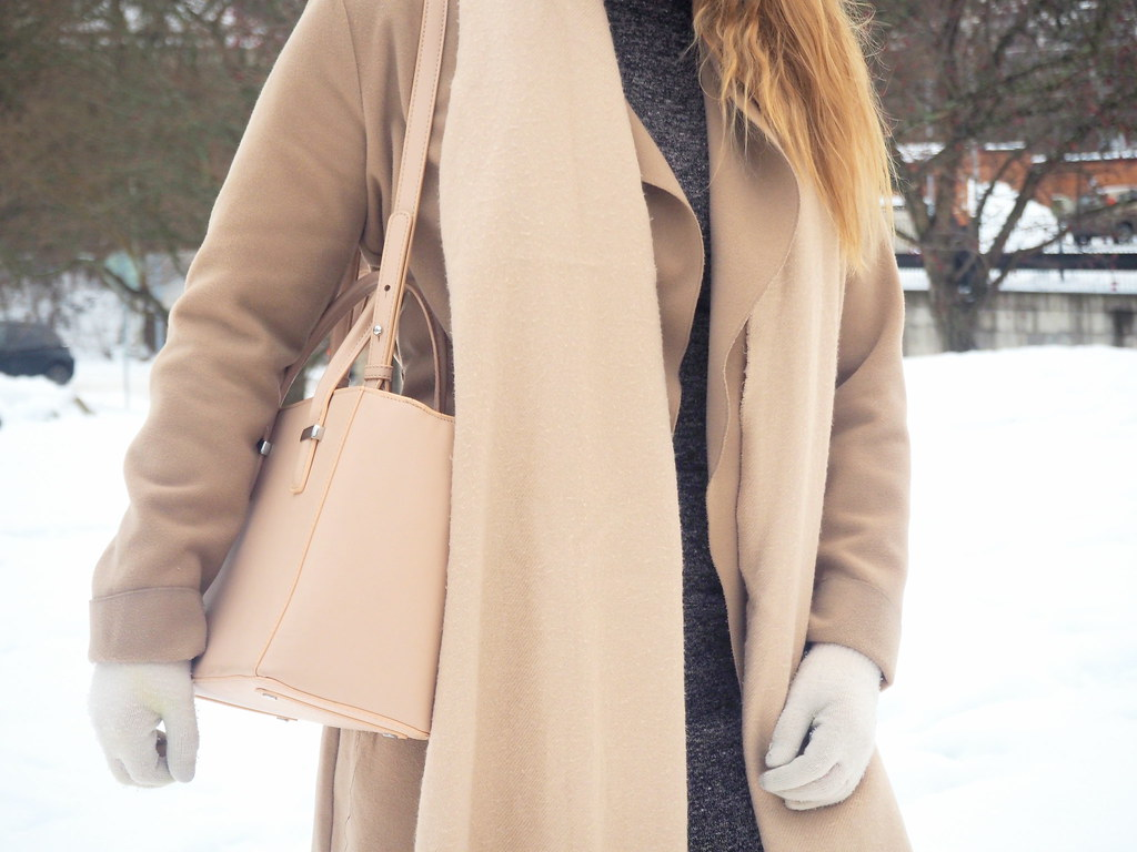 beige winter outfit