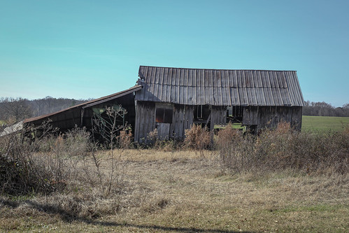 canon 6d sigma 50mm14 art lens townvillesc oconee southcarolina rural upstate country barn roads farm wood building shed vanishing vintage southernlife scenic southern america usa landscape december winter outdoor