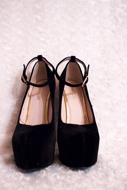 Bianco korkeat kengät