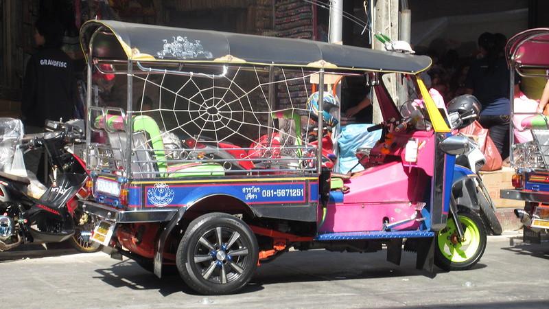 Chinatown Bangkok shopping sightseeing