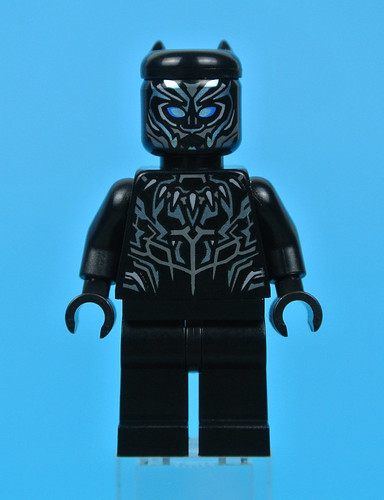 76099 Rhino Face-Off by the Mine