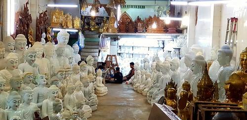 Buddhastatuen-Manufaktur an der großen Shwedagon-Pagode