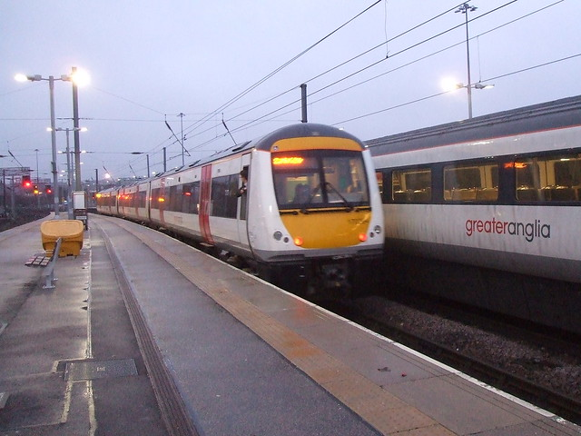 170 204 departs from, Fujifilm FinePix V10