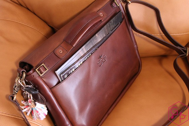 Review @SatchelandPage Brown Leather Slim Mailbag 11