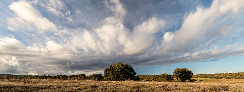 Día de nubes, panorámica