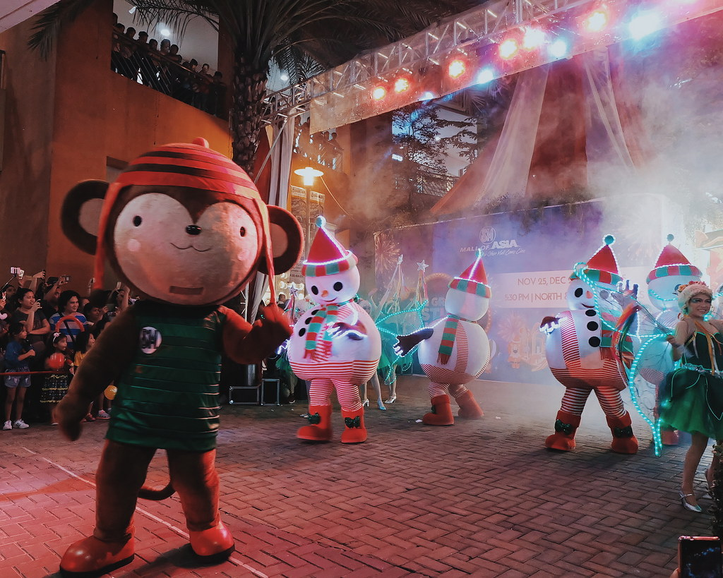 Must-See Holiday Attractions and Displays at SM Malls 2017