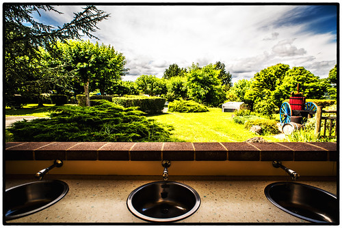 terrasses-du-perigord-paysages-camping-jardin-fleurie