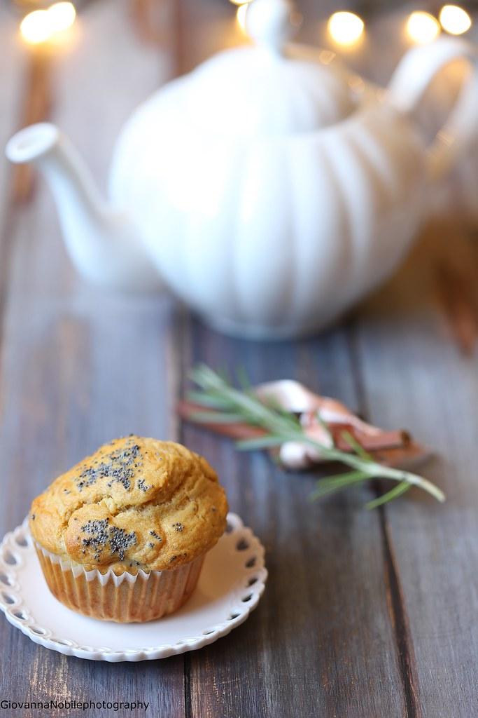 Muffin di farro con pecorino al pepe e nocciole 1