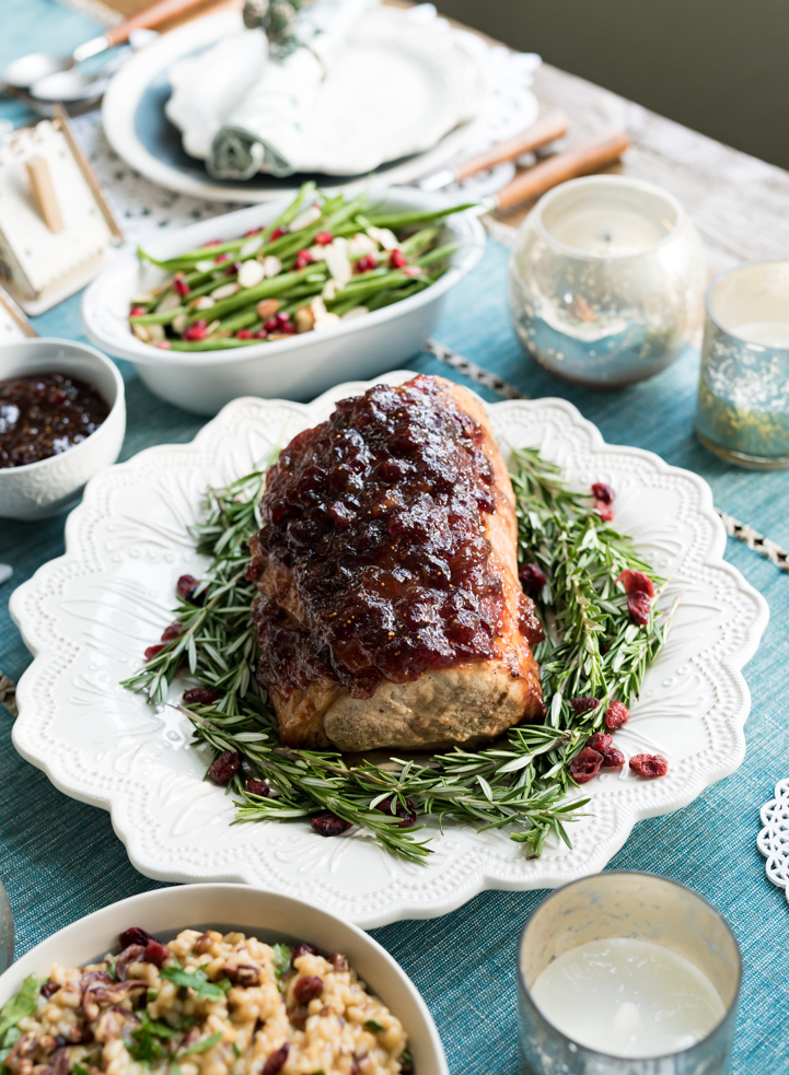 Cranberry Fig Roast Pork with Cranberry Orange Risotto www.pineappleandcoconut.com #AD #DiscoverWorldMarket Cranberry Fig Roasted Pork Loin with Cranberry Orange Risotto www.pineappleandcoconut.com #AD #DiscoverWorldMarket