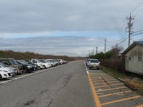 金沢競馬場の裏の駐車場