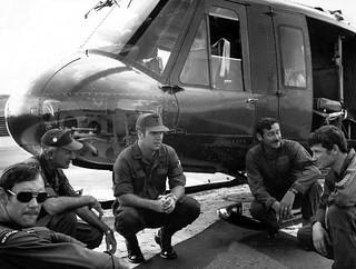 1972 Cam Ranh Bay VIP Flight - RNZAF B170 crew beside Gen Westmorland's UH1H 69-15959