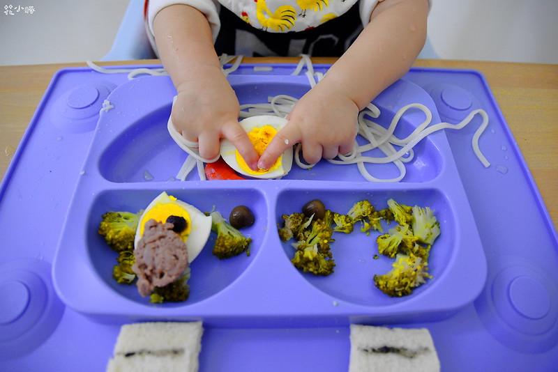 easymat餐盤防拔嬰兒餐具吸盤嬰兒餐具推薦嬰兒副食品餐具推薦EasyMat防滑矽膠餐盤 (9)