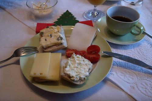 Käse auf Aufbackbrötchen