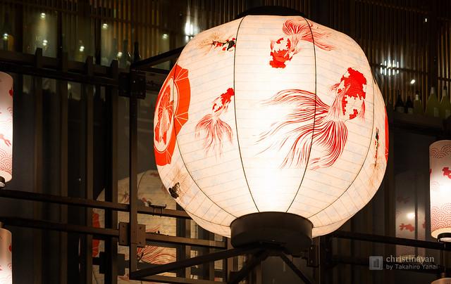 A lantern of COREDO Muromachi in night (COREDO室町)