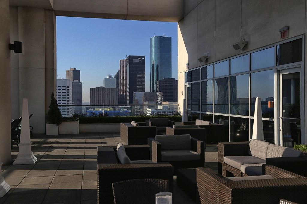 Hilton Americas-Houston Pool and Gym 11