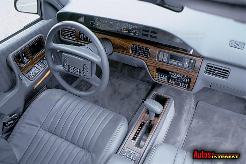 1988-Pontiac-Bonneville-SSE-int