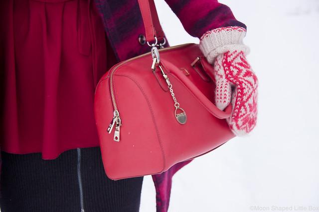 DKNY saffianonahkainen laukku