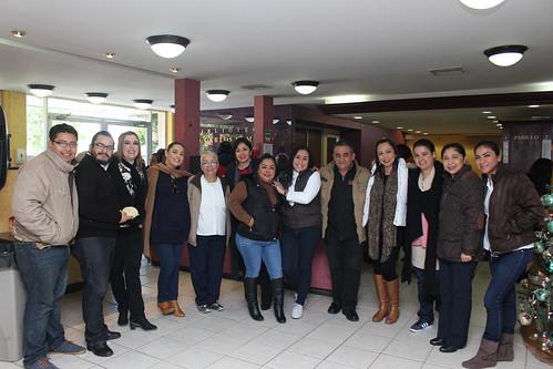"""Se parte la tradicional """"Rosca de Reyes"""" en la Facultad de Arquitectura, Diseño y Urbanismos de la UAT."""