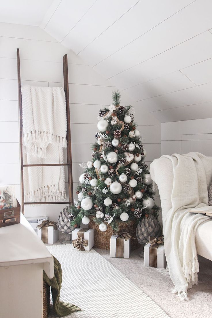 Simple Farmhouse Christmas Bedroom Decorations Large White Ball Ornaments