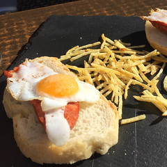 Huevo con chistorra