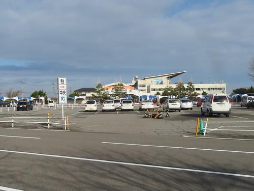 金沢競馬場の中央駐車場