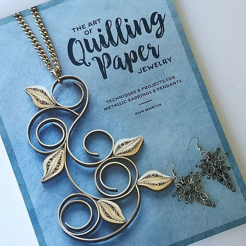 The Art of Quilling Paper Jewelry Cover with Art Deco Paper Earrings by Pily Núñez