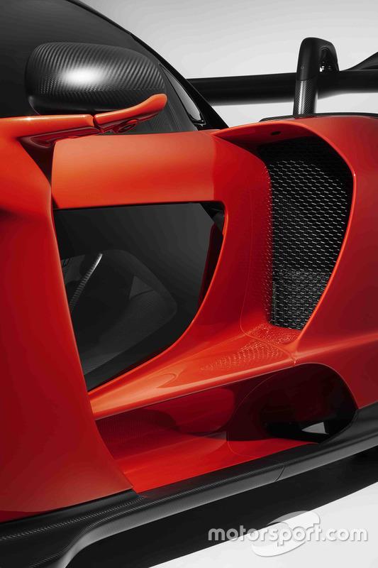 automotive-mclaren-senna-unveil-2017-mclaren-senna (1)