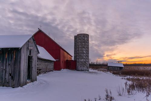 southeastmichiganlandconservancy conservancyfarm winter cold snow sunset superiortwp superiortownship washtenawcounty michigan