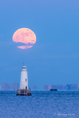 Super moon on new year's day - Raritan Water Front Park, NJ