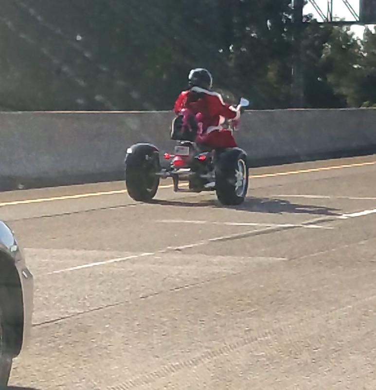 20171224_Tricycle Santa