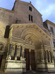 Arles: Eglise Saint-Trophime