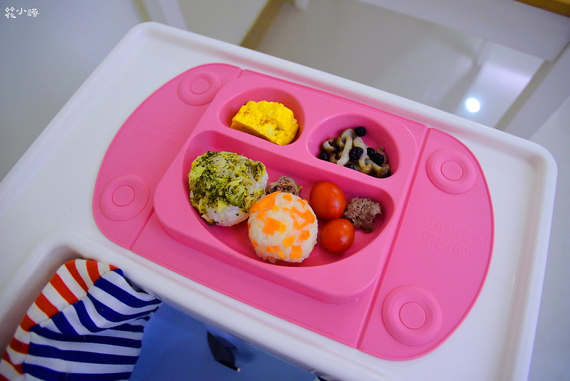 easymat餐盤防拔嬰兒餐具吸盤嬰兒餐具推薦嬰兒副食品餐具推薦EasyMat防滑矽膠餐盤 (24)