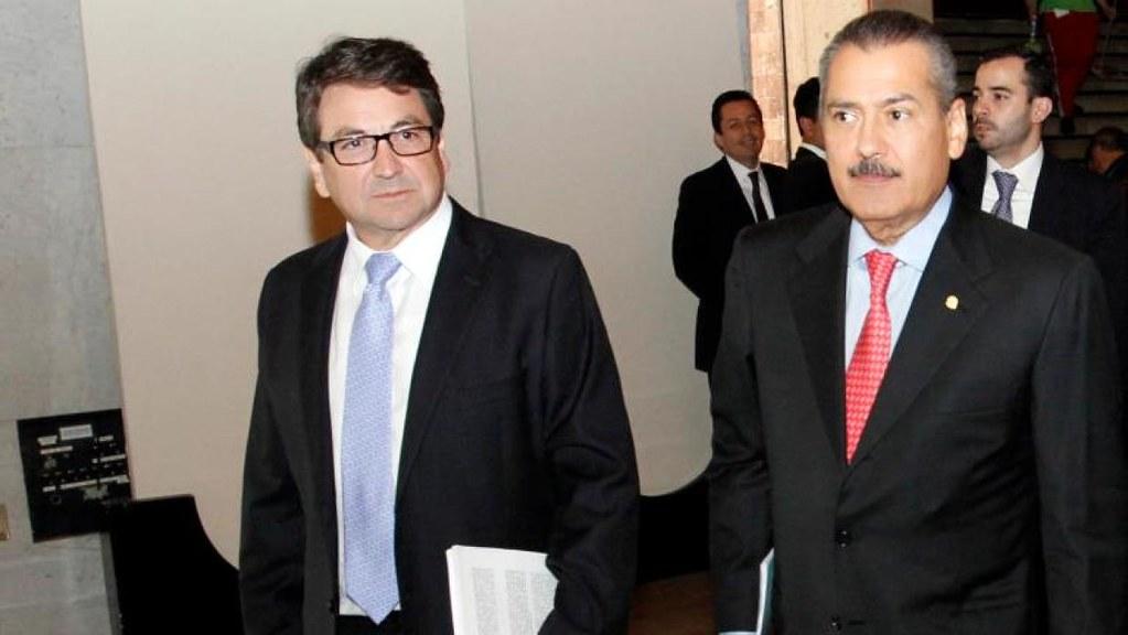 PÁG. 2 (1). Alejandro Gutiérrez, ex secretario del PRI cuando Manlio Fabio Beltrones fue presidente de este partido. Junto con el ex secretario de Hacienda, Luis Videgaray, fue el princi
