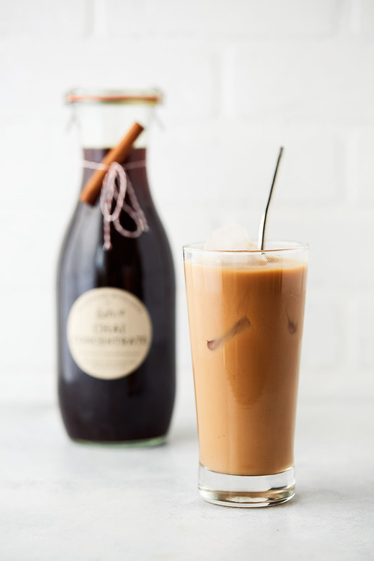 Homemade Chai Concentrate Recipe {sweetened and unsweetened}