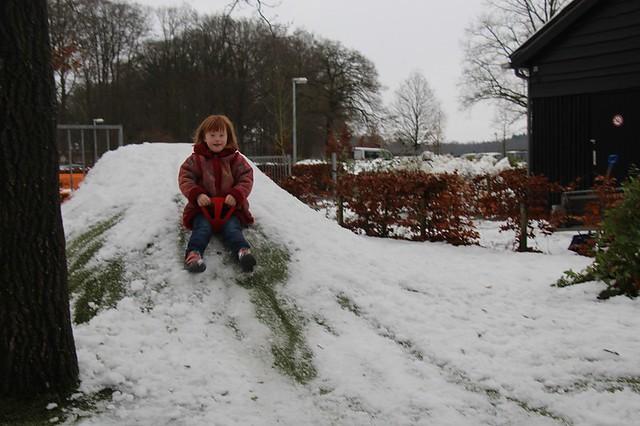 171211-sneeuw op het plein