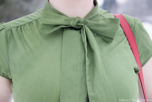 Pussybow shirt, kauluspaita rusetilla