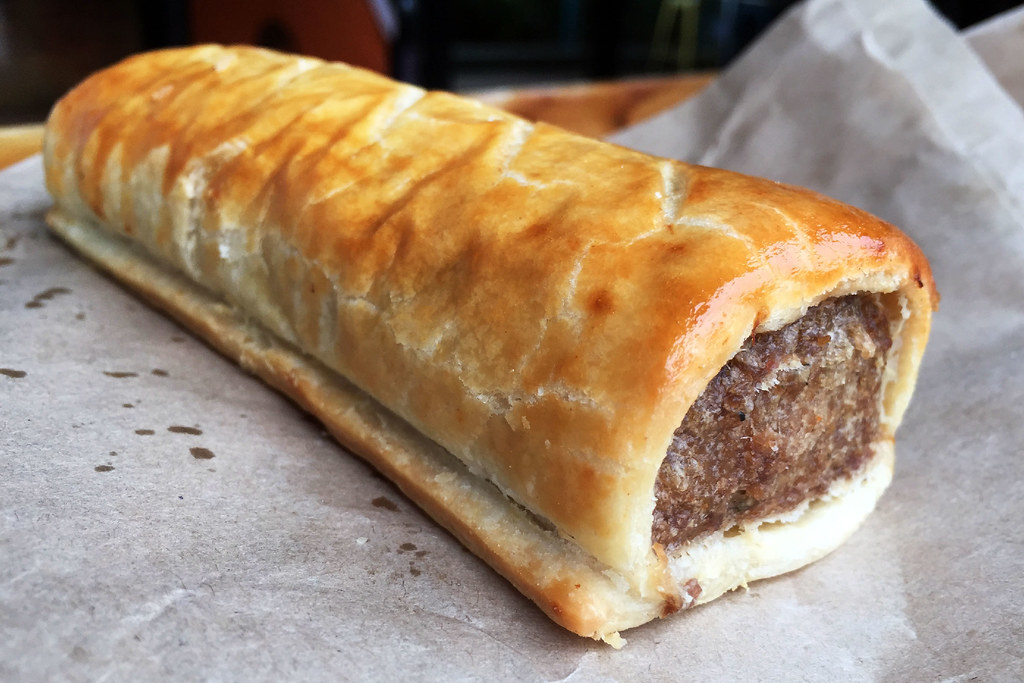 Sausage roll: Oliver's Pies