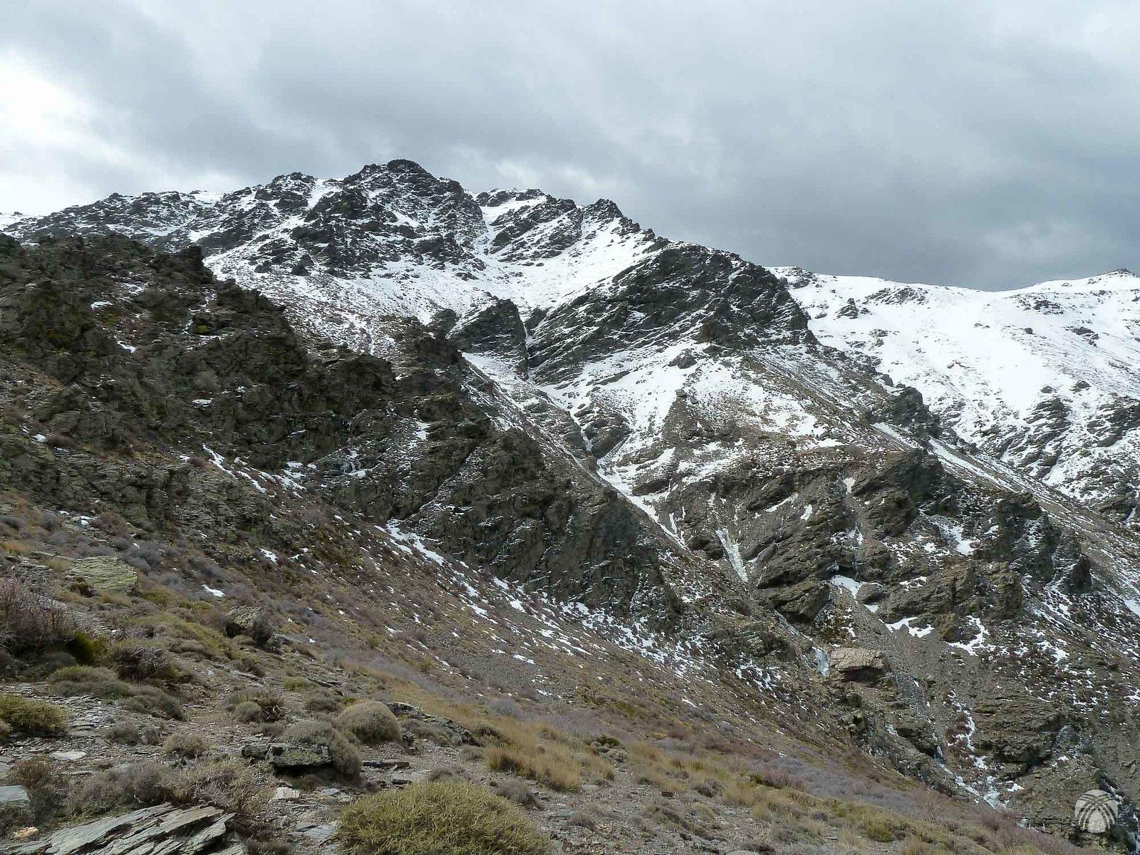 Norte del Buitre de Sierra Nevada por el corredor central