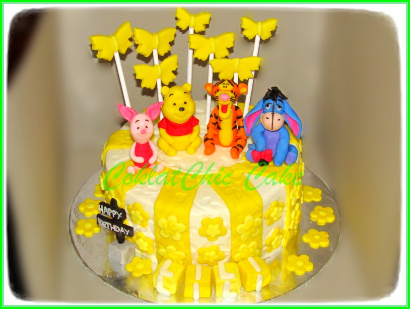Cake Pooh Bear LILI 15cm