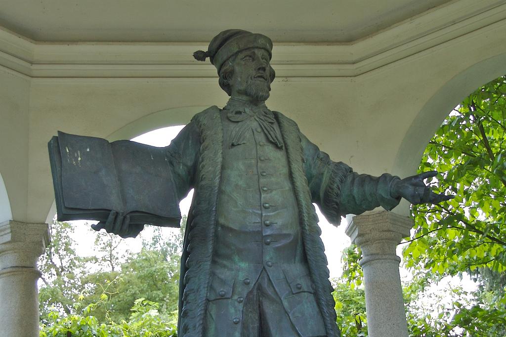 Johannes Kepler statue in Linz.