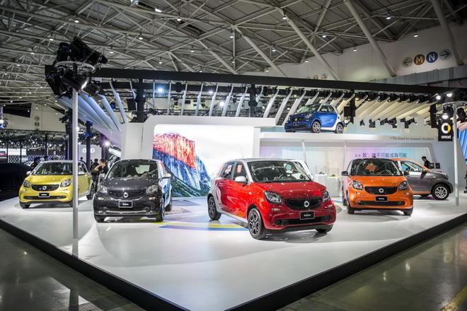 smart車系以繽紛活潑之姿,秉持著挑戰傳統框架的態度及亮眼創新的設計,進軍2018世界新車大展