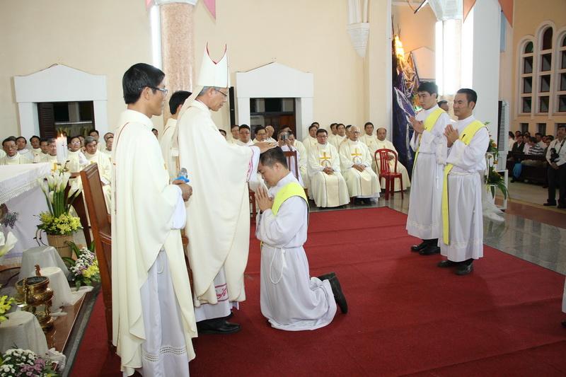 Thánh Lễ Truyền Chức Linh Mục Giáo Phận Qui Nhơn - Ảnh minh hoạ 60