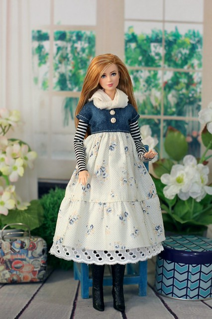 Платье с джинсовым лифом